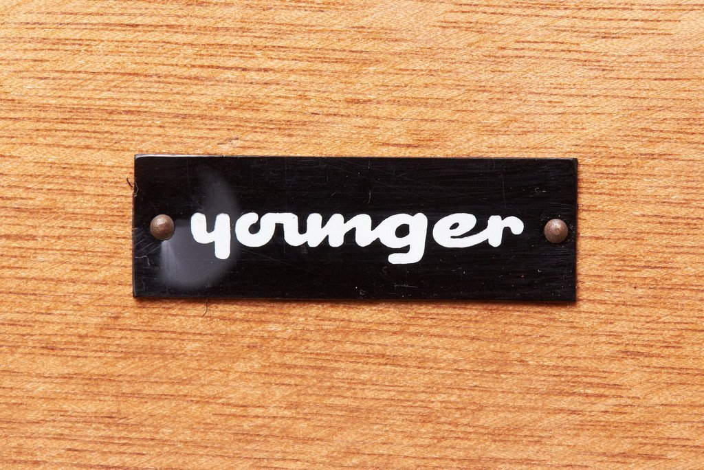 ヤンガー Younger Ltd ヴィンテージ ハイサイドボード