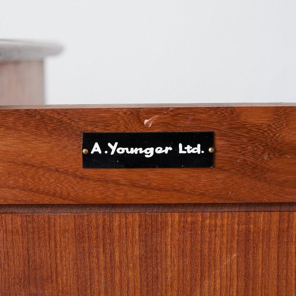ヤンガー Younger Ltd ヴィンテージ キャビネット