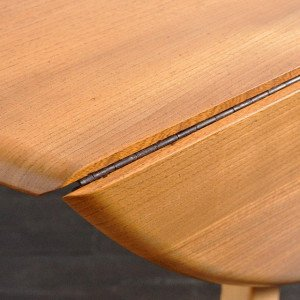 Ercol Oval Dropleaf Table / 1806-0012-33