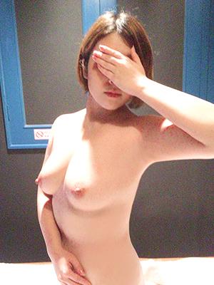鶯谷 風俗【濃厚即19妻】かな【新宿店】
