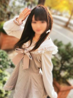 大人気娘♪小柄Eカップ美少女つららちゃん(21)