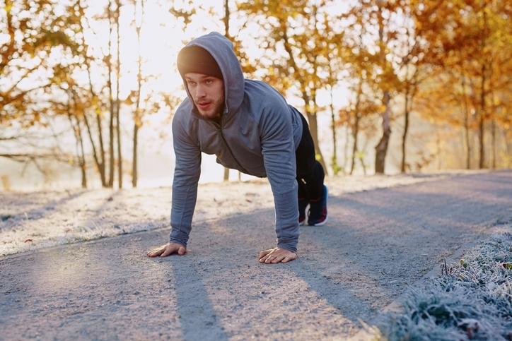 寒い日に運動するメリットとは?