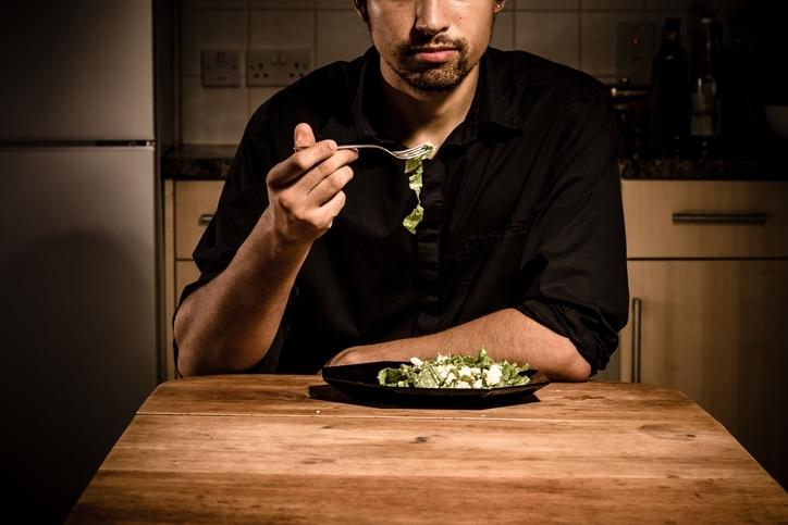 「体臭」と「食事」の関係性とは?