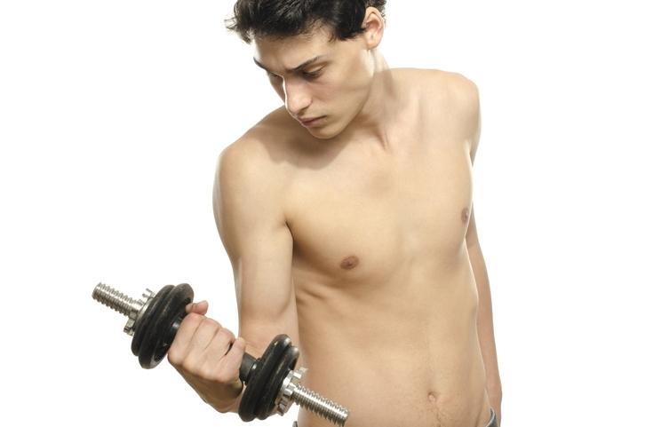 筋肥大に適した負荷設定でトレーニングする