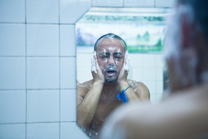 カラダと顔を同じ石鹸で洗う