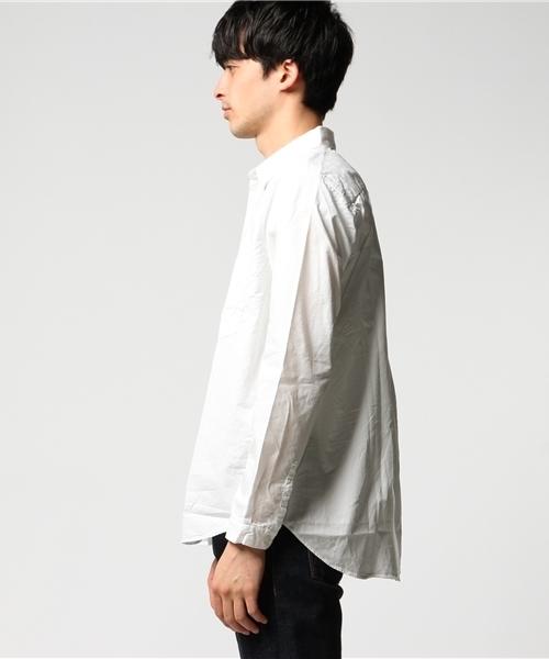 ホワイトシャツをおしゃれに着こなすコツ