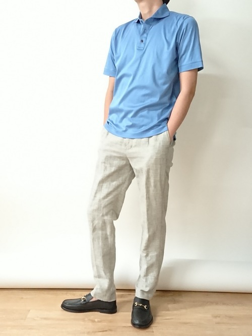 淡い色で統一した大人の夏ファッション