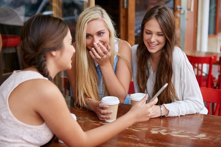 頻繁に女子会へ参加するようになる