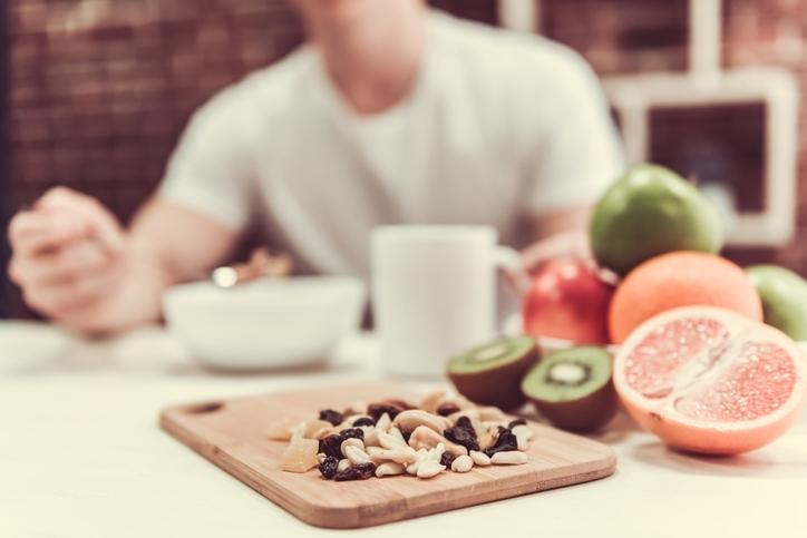 1日に摂取すべきカロリー数を正確に把握する