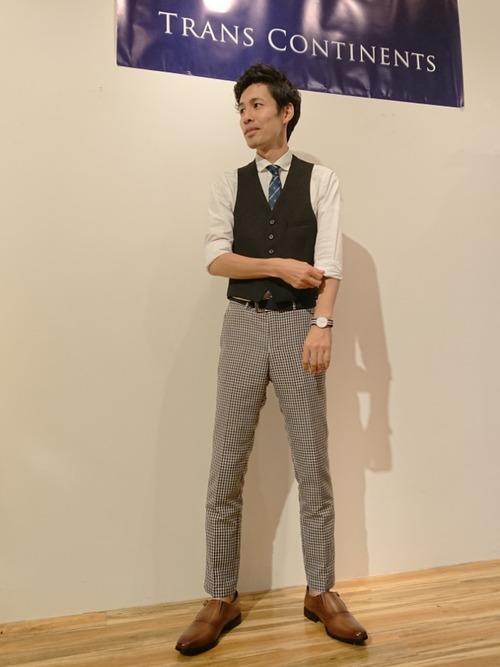 ドレスシャツ×タイの鉄板スタイル