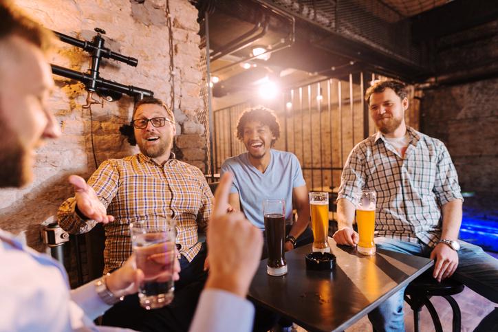 二日酔いの予防対策に「飲む前」&「飲酒中」の注意点
