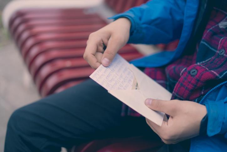 彼女の家に行くorポストに手紙を入れる