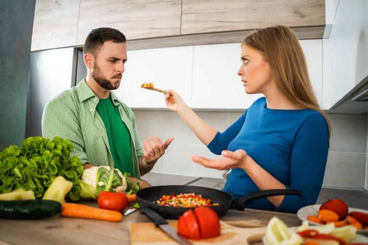 彼女の手料理がマズかったときのNG言動