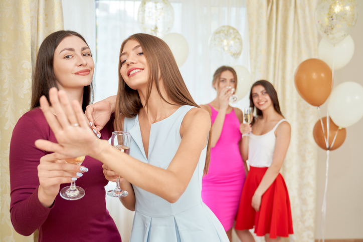 友人の既婚率を調べる