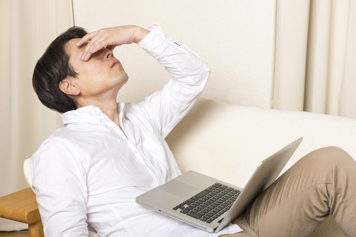 肌トラブルを引き起こす、ストレスの主な原因とその対策法