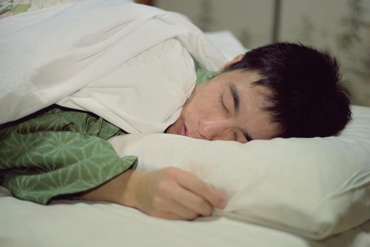 しっかりと睡眠時間を確保する